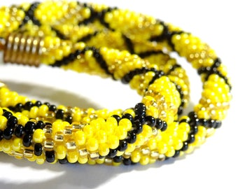 Yellow spiral crochet (030) beaded necklace
