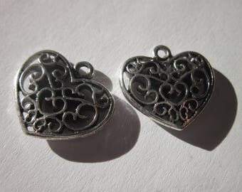 reversible 2 charms 16 mm filigree heart shaped (6236)