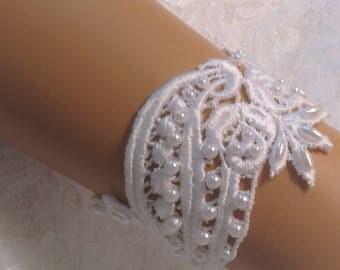 6 inch White Lace Bridal Bracelet / Wedding Lace Bracelet / Bridal Wrist Cuff / Bridesmaid Bracelet / Prom Bracelet