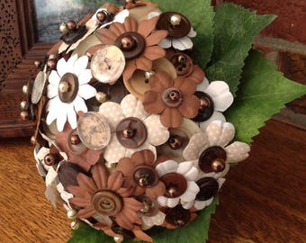 Daisy Button Bouquet
