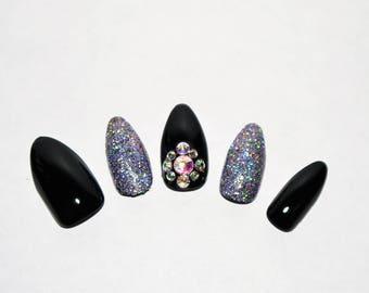 Black and bling false nail set