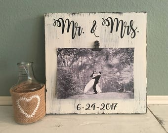 Mr & Mrs Picture Frame | Wedding Photo Frame Gift | Bridal Shower Gift | Personalized Picture Frame |