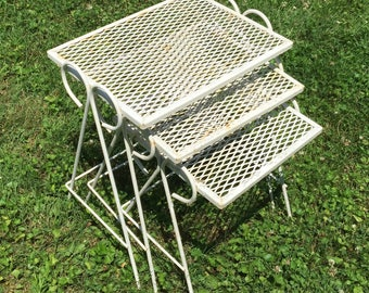 Delightful Vintage Antique White Retro Mid Century Mesh Patio Side Accent Nesting  Tables Outdoor Porch