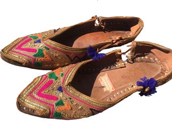 60's/70's Vintage Indian Bohemian Embroidered Hippie Leather Slippers Sandals Size 7