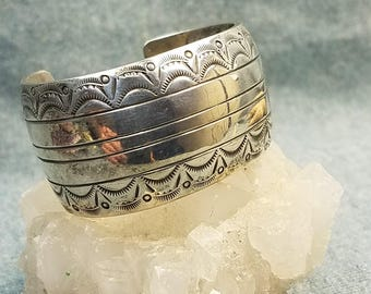 Native American Navajo Old Pawn Solid Sterling Silver Wide Cuff Bracelet Small Wrist 2+ OZ