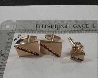 10% OFF 3 day sale Vintage  goldtone  cufflinks and tie tack set