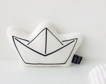 Paper boat rattle