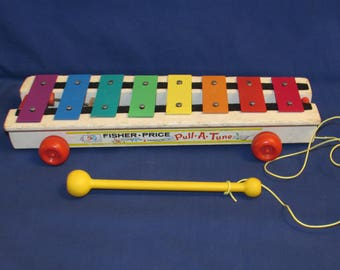 FISHER PRICE XYLOPHONE Musical Pull Toy 1978