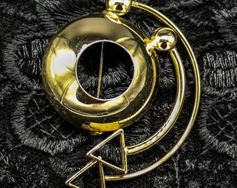 Unusual and Classy Gold Tone Geometric Brooch/Pin