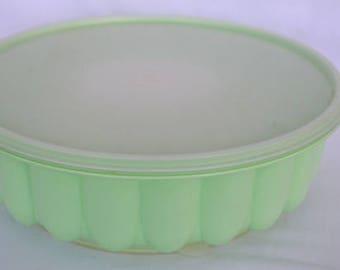 Vintage Tupperware Green Jel-Ring Jello Mold