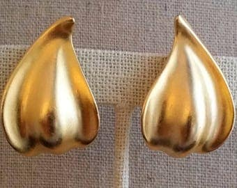 Signed TAT Satin Gold Tone Clip On Earrings, Vintage Costume Jewelry