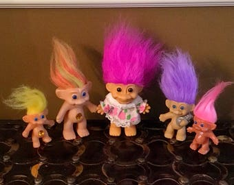 Lot of FIVE (5) vintage TROLL DOLLS, various sizes and makes