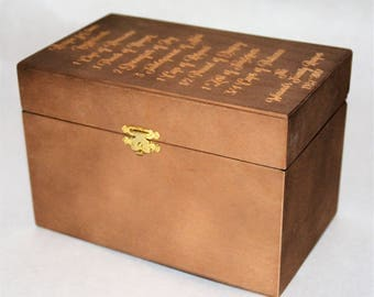 Custom Engraved Wooden Recipe Box. Wood Box Personalized and engraved 4x6 Recipe Cards Recipe of Love