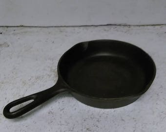 Cast iron #3 pan