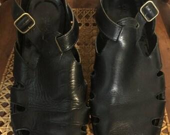 "SUMMER SALE 20% OFF Vintage Men's Cole Haan ""Country"" Black Leather Fisherman Buckle Shoe Size 9 M"