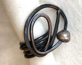 Swirl copper rings with freshwater pearl