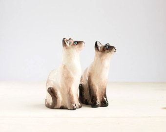 Animal Totem Siamese Cats, cat totem tiny figurine, home decor for cat lovers, pocket zoo, beige and brown, cats lovers gift ideas and grey