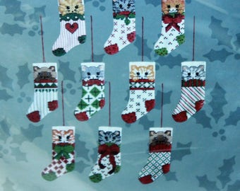 Candamar Designs counted cross stitch Ornaments Cat In Stocking  kit #50363 Vintage 1988