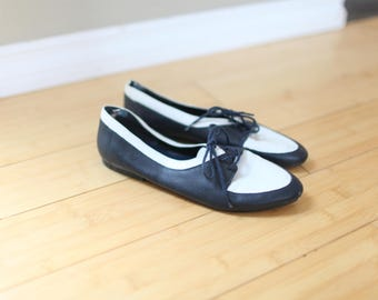 vintage navy blue & white nautical leather lace up  oxfords womens 7 1/2