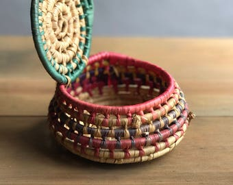Small Vintage Coiled Woven Basket with Lid / Boho Woven Basket With Lid