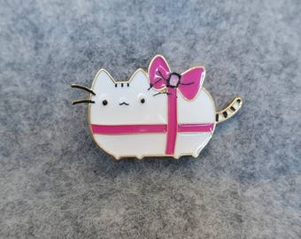 Enamel: gift kitty