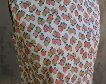 Vintage Novelty Print 1950's Sleeveless Top//Strawberries//