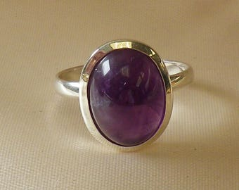 Vintage Amethyst Cabochon Sterling Silver Hallmarked Ring Size 8 1/4 US and O 1/4 UK & Aust