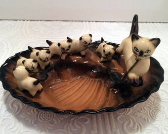 Sweet Vintage 1950s Siamese Mother Cat and Kittens Dish- So Cute!