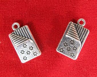 "BULK! 15pc ""blanket / quilt"" charms in antique silver (BC1068B)"