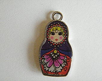 Russian doll pendant double-sided, 27 x 14 mm - sold by 1