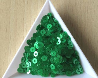 Sequin satin shamrock 4 mm in bulk