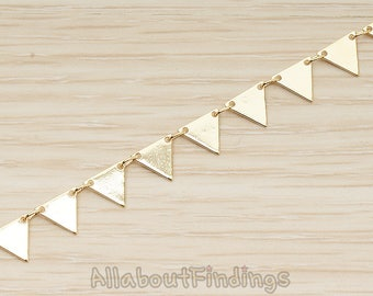 CHN142-G // Glossy Gold Plated Triangle Banner Flag Tag Linked Chain, 1 Meter