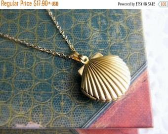 SALE Sea Shell Locket Necklace, Seashell Locket Pendant, Gold Locket, Gold Sea Shell Necklace, Ocean Jewelry, Beach Jewelry, Nautical Weddin