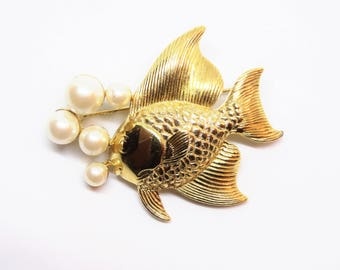 1960s Gold Metal Faux Pearl Fish Figural Novelty Brooch