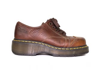 DR MARTENS brown leather shoes - 6 uk / 7 us mens / 8 us womens / 39 eu