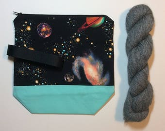 Quirky Monday Crafts Zipper Pouch, Cosmos fabric, Knitting project bag, Crochet project bag, cosmetics bag, lined zipper bag