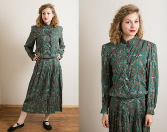30% OFF Green paisley print 1980's dress / Secretary dress / Long sleeve dress / Pleated dress / Button down dress