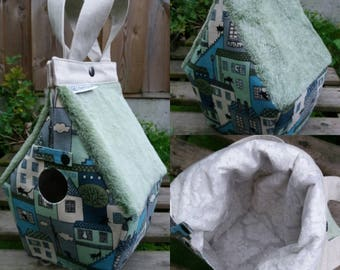 FiberFurry: Birdhouse shaped project bag for knitting or crochet
