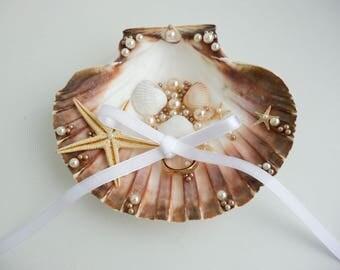 Seashell ring holder,Beach Ring Holder,Seashell Ring Bearer,Beach Ring Bearer,Seashell ring pillow, Beach Wedding,Shell Ring Bearer Starfish