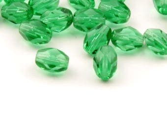 Lot (50) 7mm vintage Czech oval faceted green glass beads 0102-60