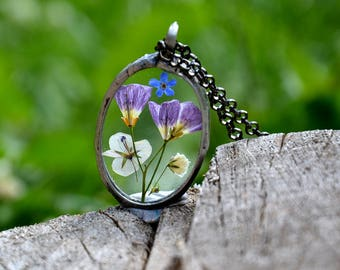 wild flowers terrarium pendant, forget me not, flower storks necklace, necklace, floral jewelry, pressed flower, meadow, rustic, old silver