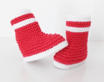 Let us put on boots baby birth in 12 red and white woolen hand-knitted months