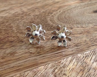 Handcrafted Sterling Silver Flower Stud Earrings, Sterling Silver Stud Earrings, Flower Earrings, Small Earrings, Daisy Earrings, Daisy Stud