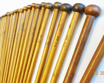 18 pairs of bamboo single pointed knitting needles.