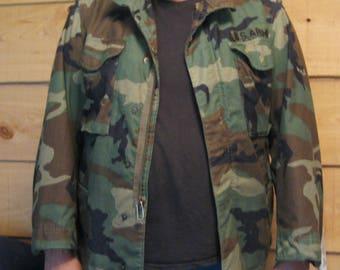 M65 Cold Weather Field Camouflage Jacket, Vintage Army Coat, Camo Jacket, Woodland Distressed, Grunge Jacket, Size Medium Short