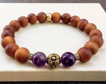 Perfumed sandalwood amethyst woman bracelet - Yoga mala energy meditation stackable bracelet - Gift for girlfriend - Wildcoastjewels -
