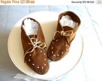 55% OFF Vintage 1960's Leather Moccasins* MINNETONKA . Size 5 1/2 . Beaded Design . Soft Buckskin Leather. Hippie .Boho .Rustic .FABULOUS Co