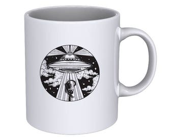 Alien Spaceship UFO with Flying Cat - Cool Funny - Coffee Mug - Best Gift !!!