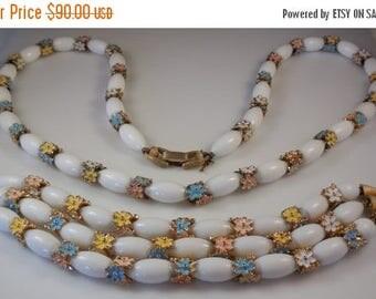 20% OFF SALE Vintage 1960s Crown Trifari Milk Glass Pastel Enamel Daisy Necklace Bracelet Demi Parure