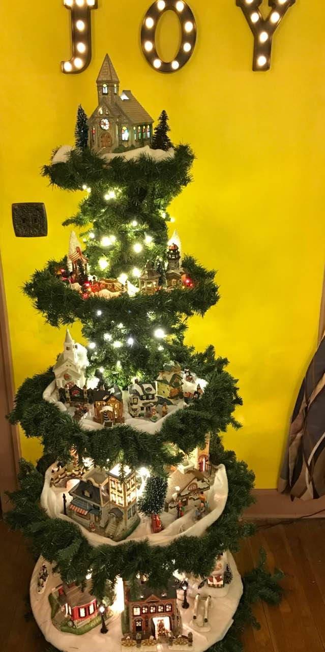Easy Set Up Christmas Tree